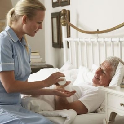 palliative-home-care-nurse1